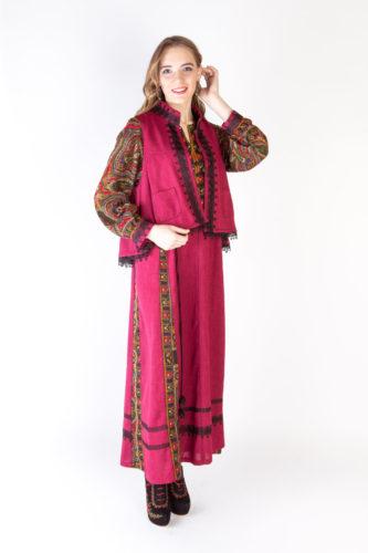 Платье в русском стиле и двусторонняя коротёна