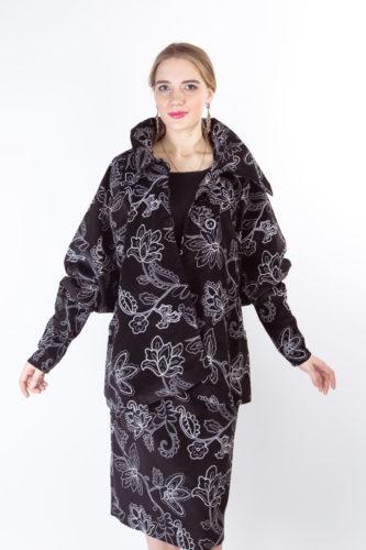 Классический женский костюм в русском стиле