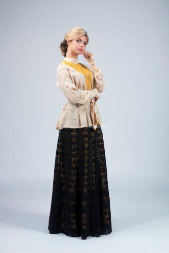 костюм казачки, блузка с кружевом и двухслойная юбка