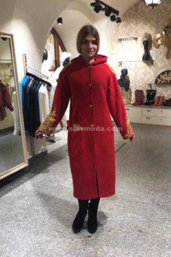 Женское пальто кашемировое с капюшоном и золотым шитьем