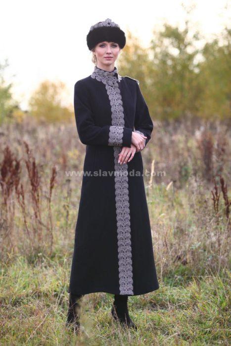 Женское пальто кашемировое с серебряным шитьем