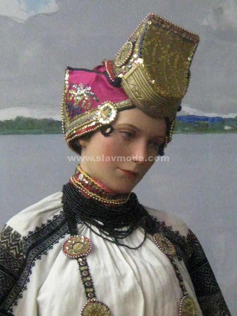 Русские традиционные головные уборы из коллекции И.С.Глазунова