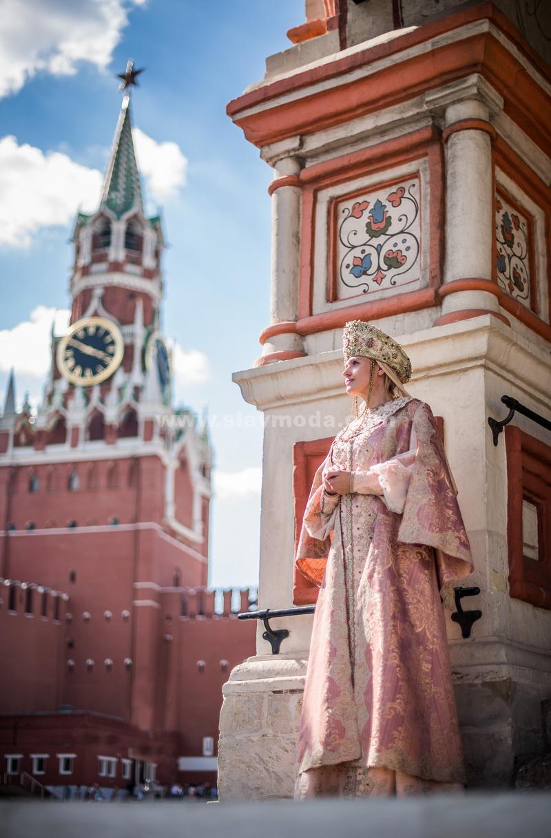 Красота русского наряда. Фотосессия на Красной площади, в сердце России